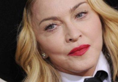 Madonna 2021 con su nuevo look y planta cara a internet